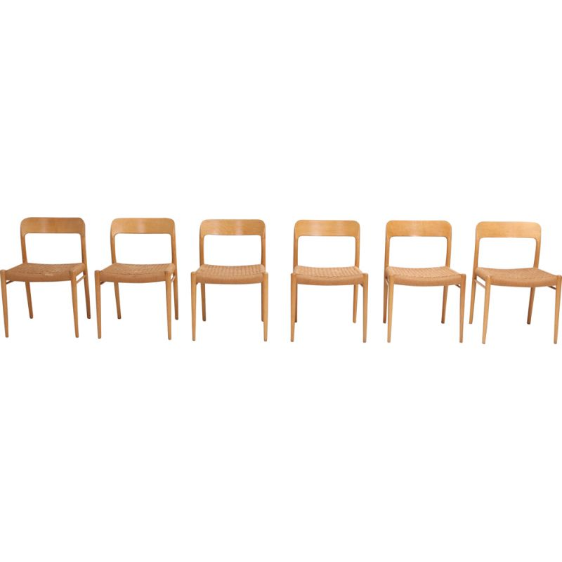 Set of 6 chairs in oakwood by Niels O. Möller