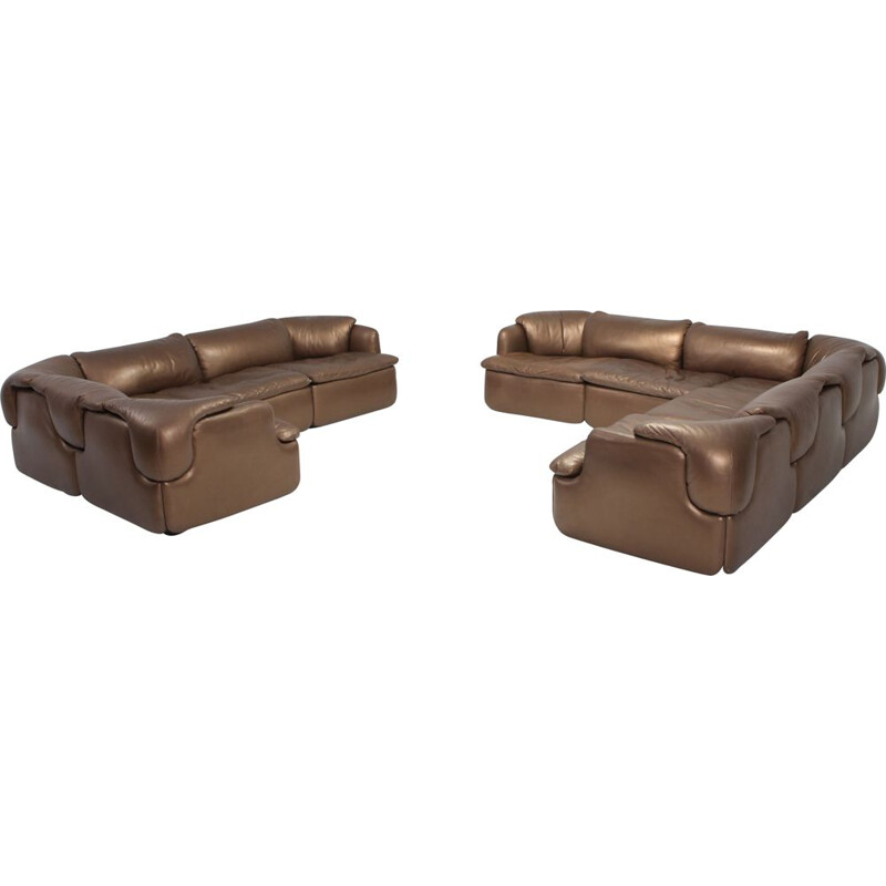Confidential sofa in bronze leather by Saporiti