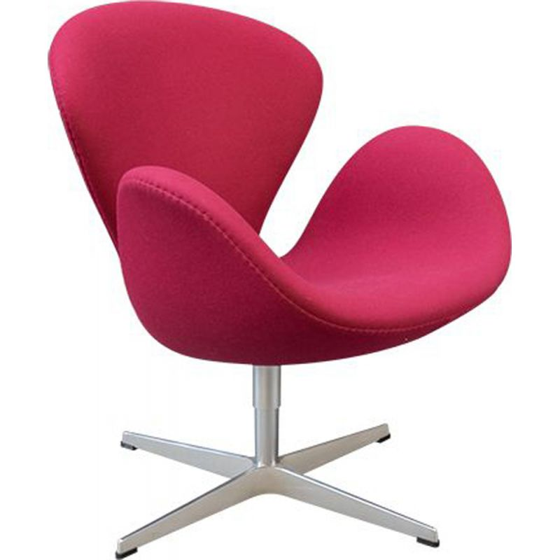 Pink Swan chair by Arne Jacobsen for Fritz Hansen