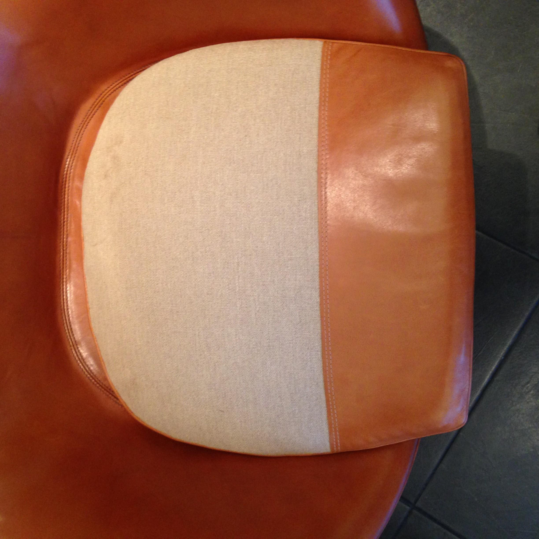 Fritz Hansen Egg Armchair And Its Ottoman Arne Jacobsen