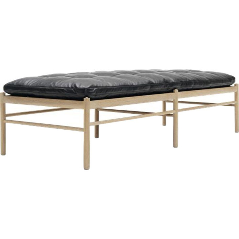 """OW150"" daybed in fabric by Ole Wanscher for CARL HANSEN & SON"