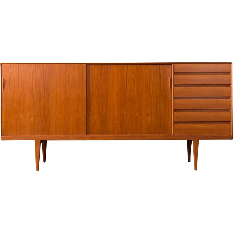 Sideboard in teak by Henry Rosengren Hansen for Brande
