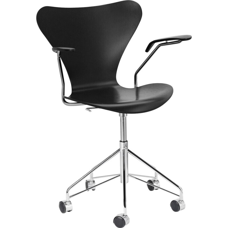 """Serie 7"" or 3217 office chair by Arne Jacobsen for FRITZ HANSEN"