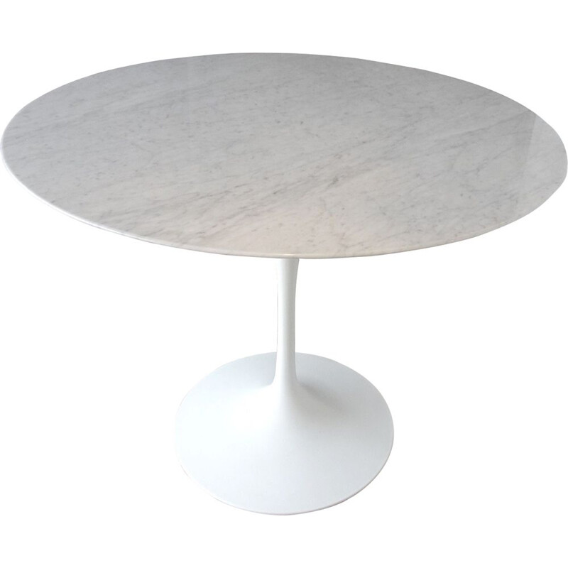 Vintage table Knoll Saarinen in marble