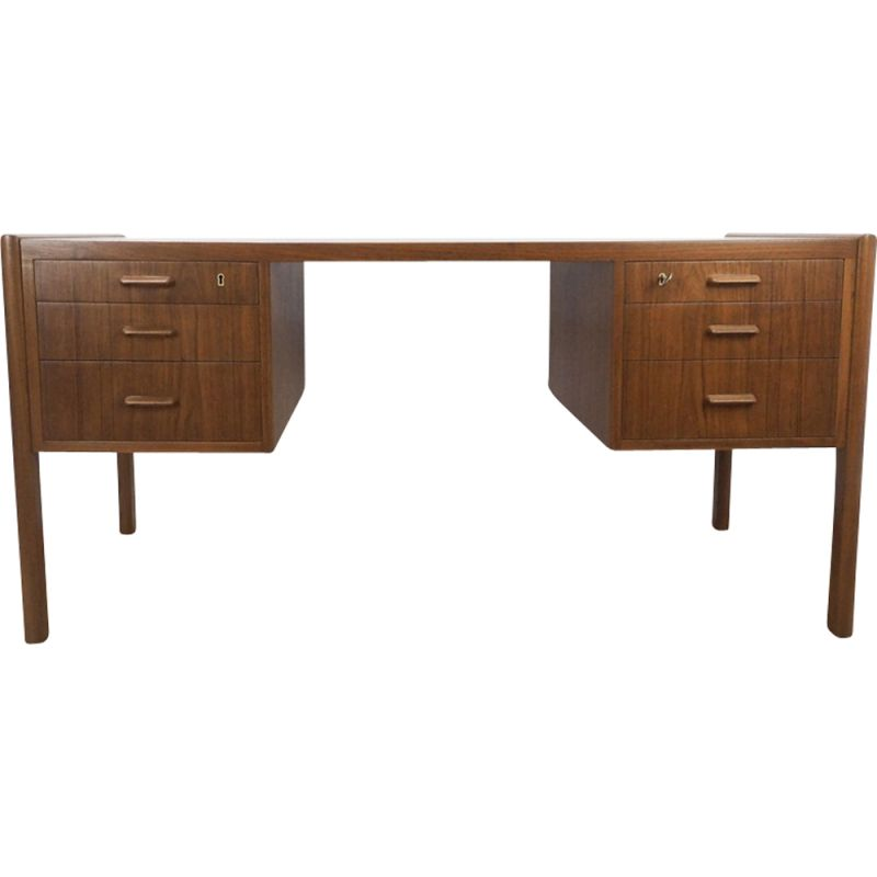 Vintage danish desk in teakwood 1960