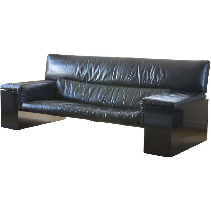 Vintage Brigadier sofa for Knoll in black leather and wood 1970