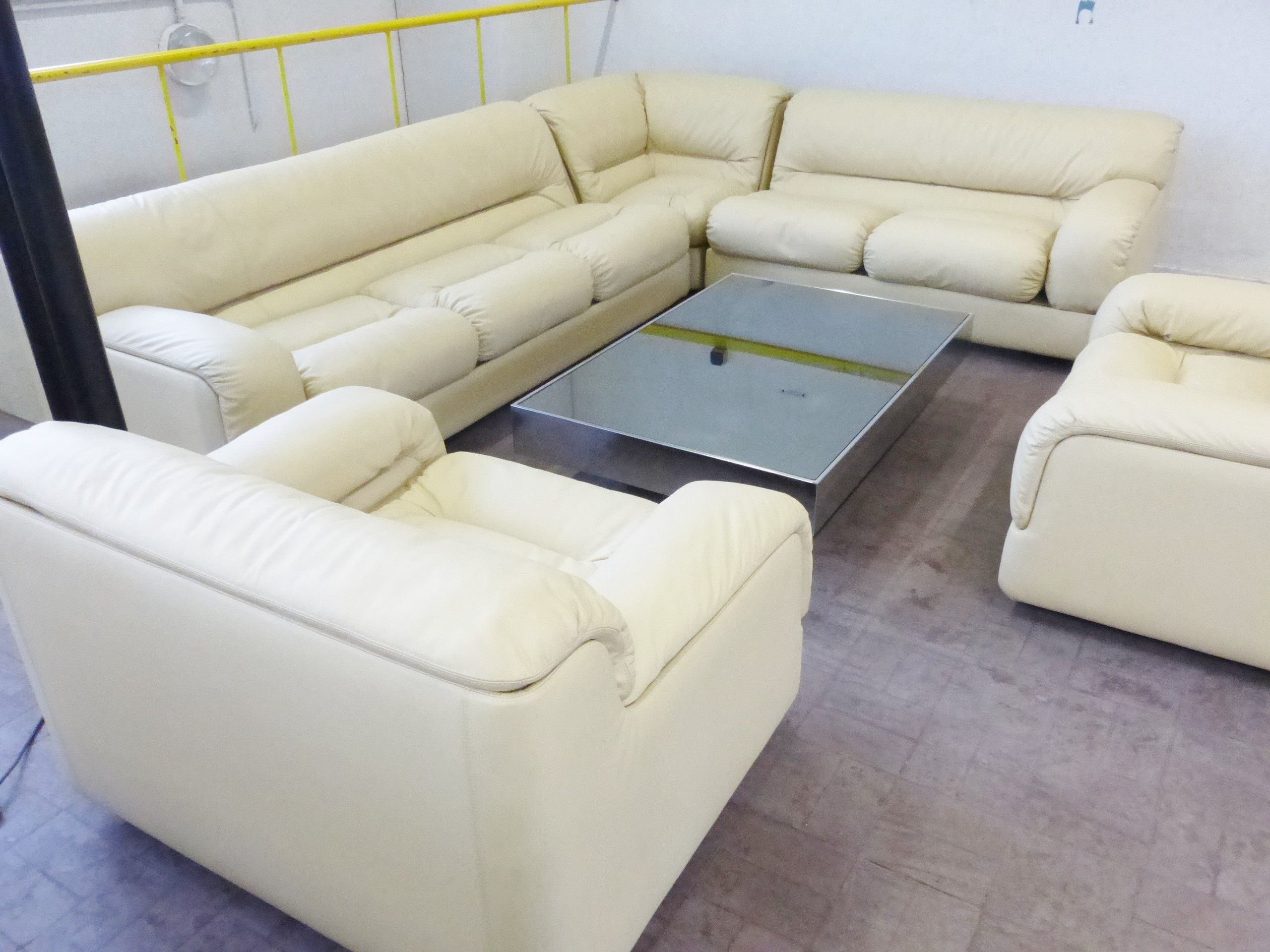 Rossi Di Albizzate leather living room set, Titina AMMANNATI ...