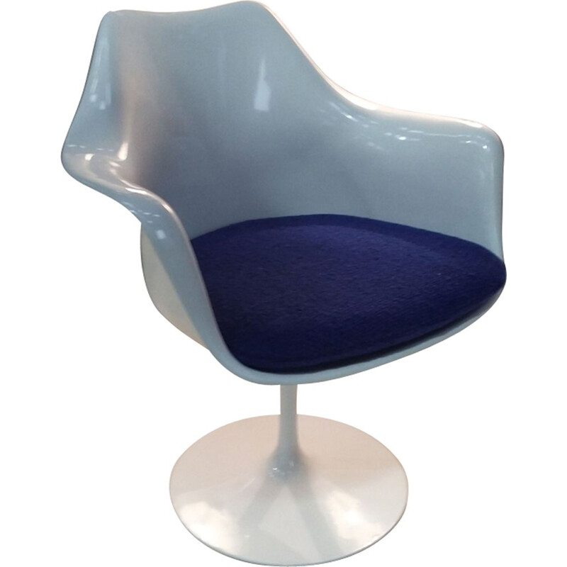 Vintage Tulip armchair by Eero Saarinen for Knoll international