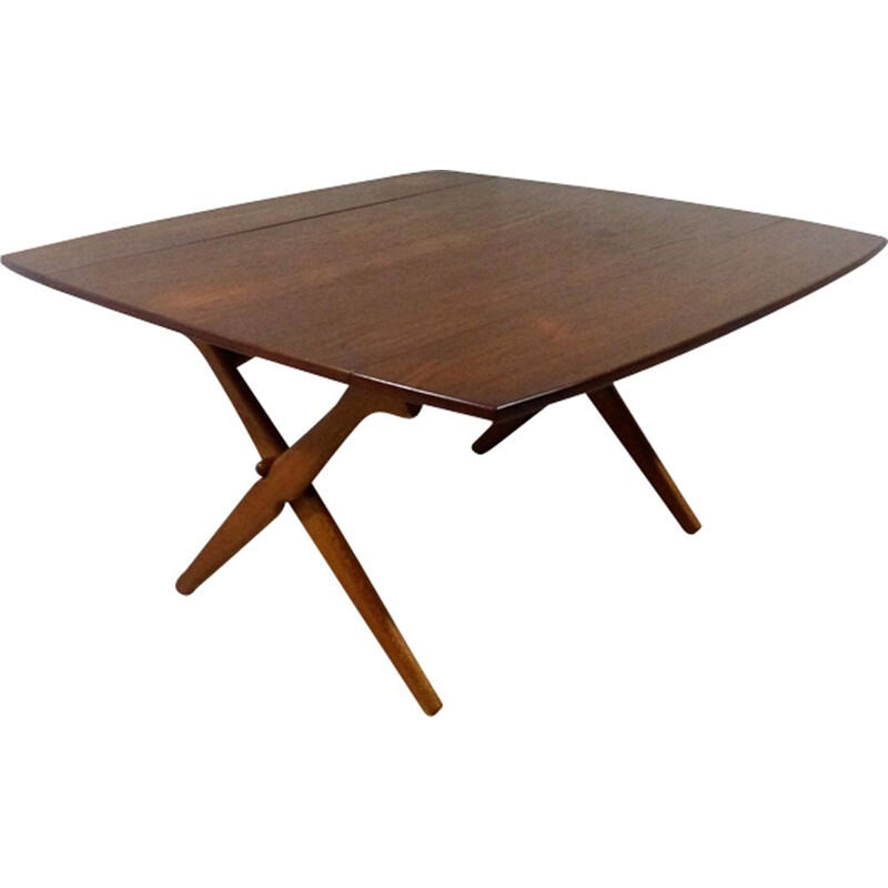 Vintage table by Hovmand Olsen for Mogensen Kold in teak and oak 1960
