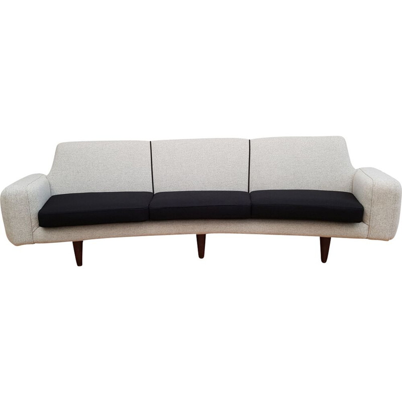 Vintage sofa model 450 Banana by Illum Wikkelsø Denmark
