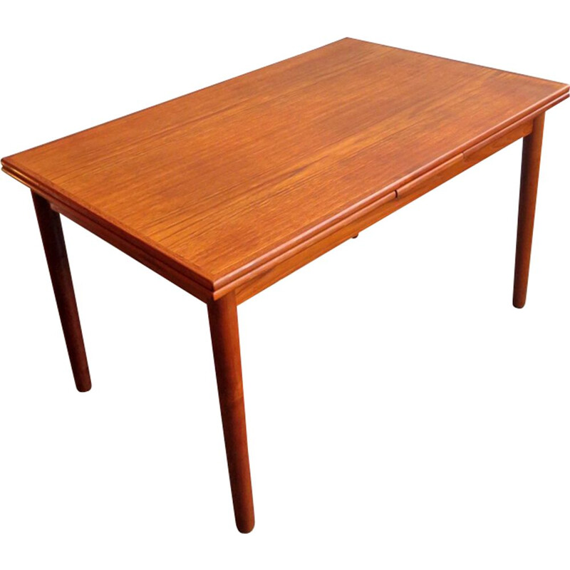 Vintage danish extendable dinning table in teakwood 1960