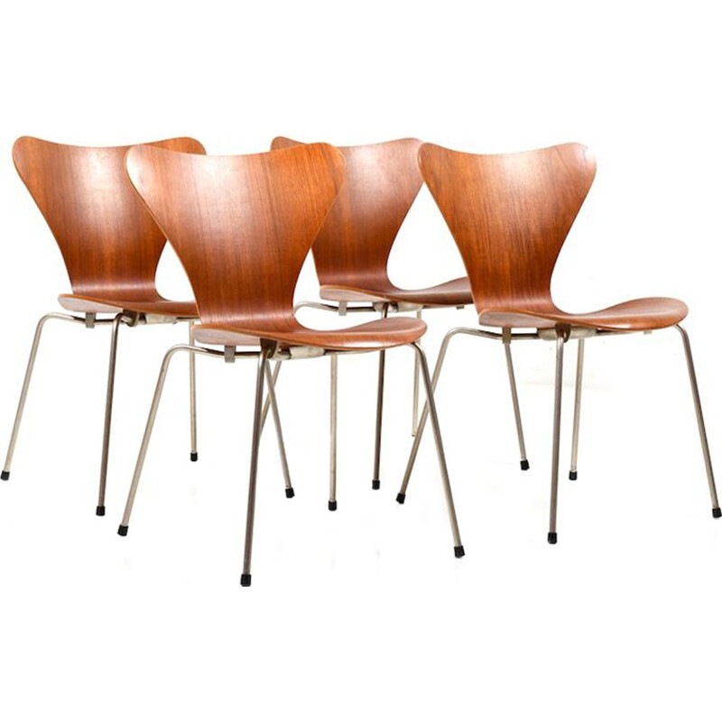 Set of 4 Chairs model 3107 by Arne Jacobsen in teak
