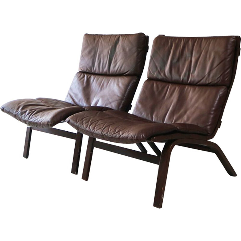 Vintage danish lounge chair in brown leather and beechwood 1960