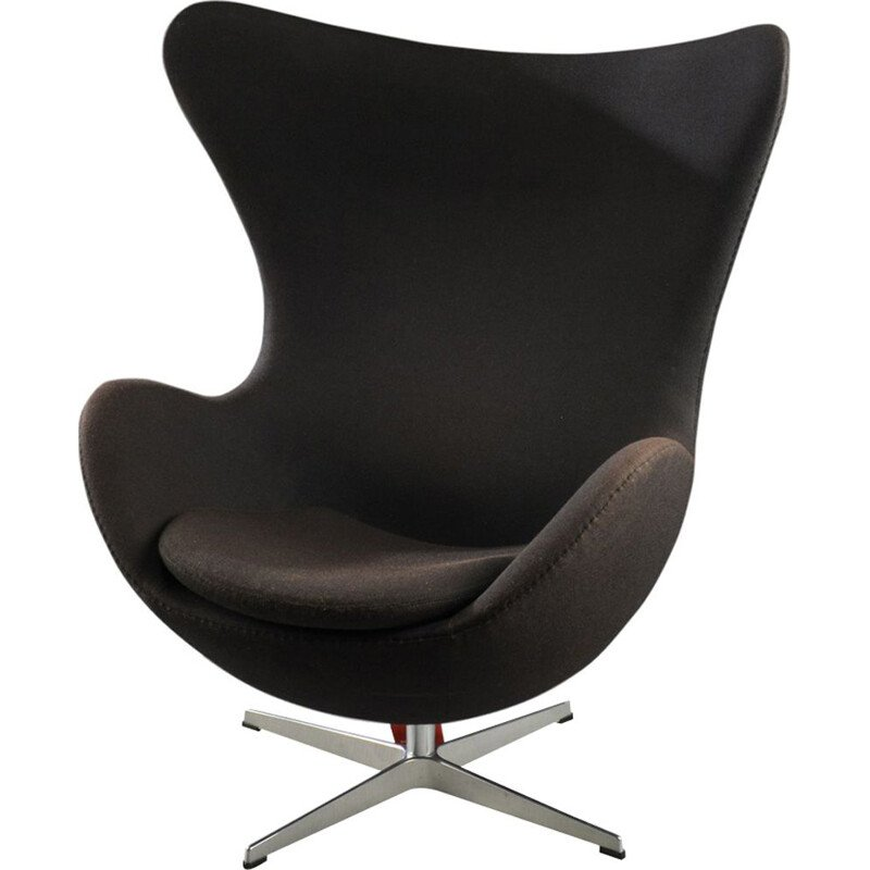 Vintage Egg armchair for Fritz Hansen in black wool and aluminium 1950