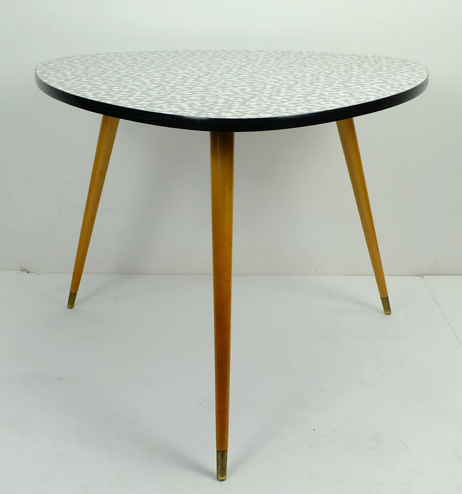Table Basse En Formica vintage coffee table three legged formica mosaic optic