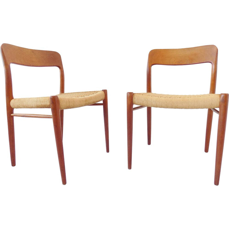 Vintage pair of dining chairs by Niels Möller,1960