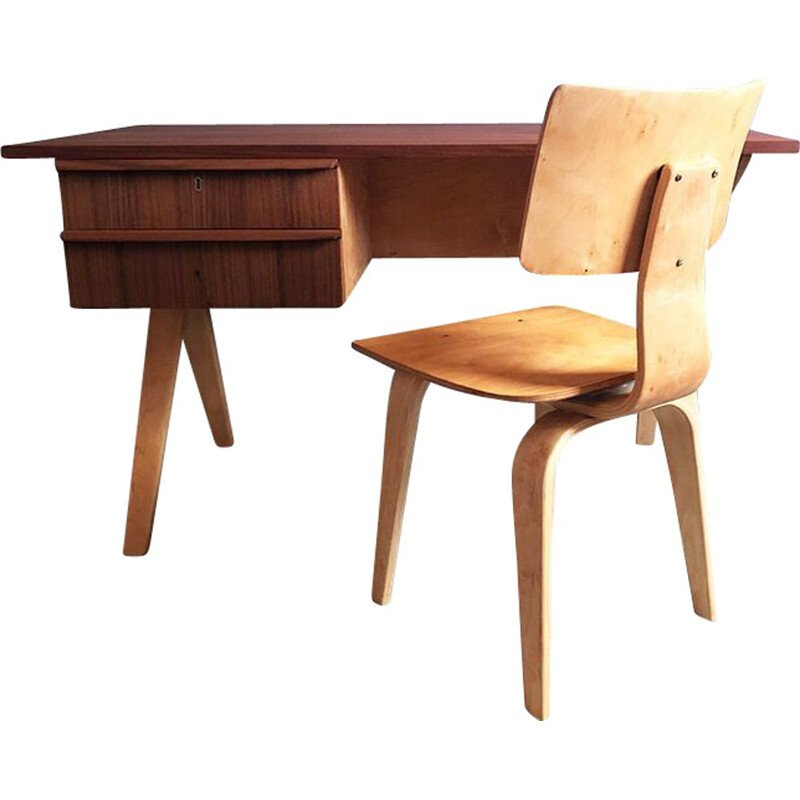 Set of vintage EB02 desk and chair for Pastoe in birch and teak 1950