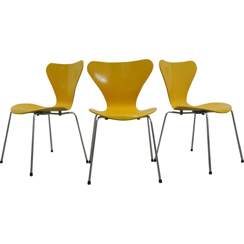 Set of 3 vintage Butterfly chairs by Arne Jacobsen for Fritz Hansen