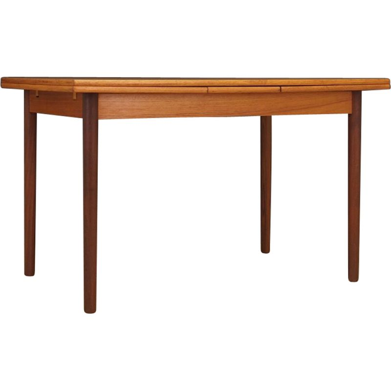 Danish extendable table in teak