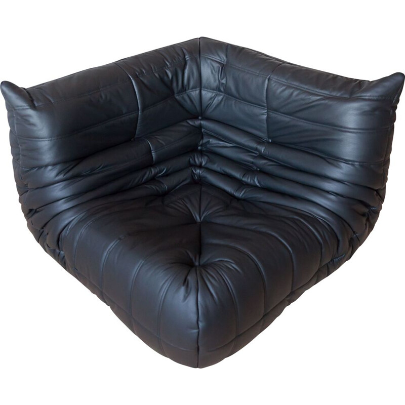 Vintage Togo corner couch in black leather by Michel Ducaroy by Ligne Roset