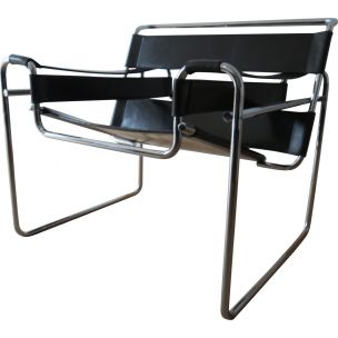Vintage Wassily B3 leather and chrome chair by  Marcel Breuer for Knoll