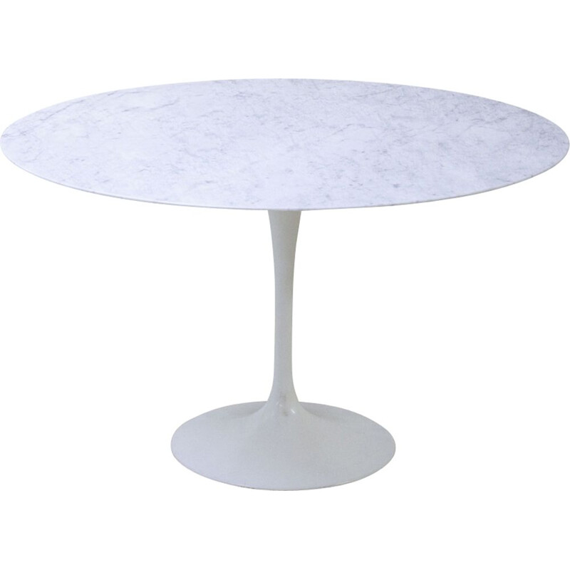 Vintage Tulip table in Carrara Marble Saarinen Knoll edition 1970