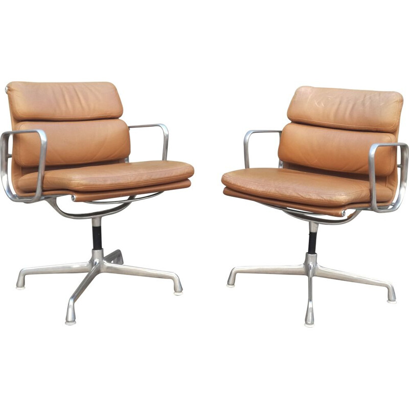Pair of vintage swivel armchairs in leather EA 208 by Charles Eames for Herman Miller