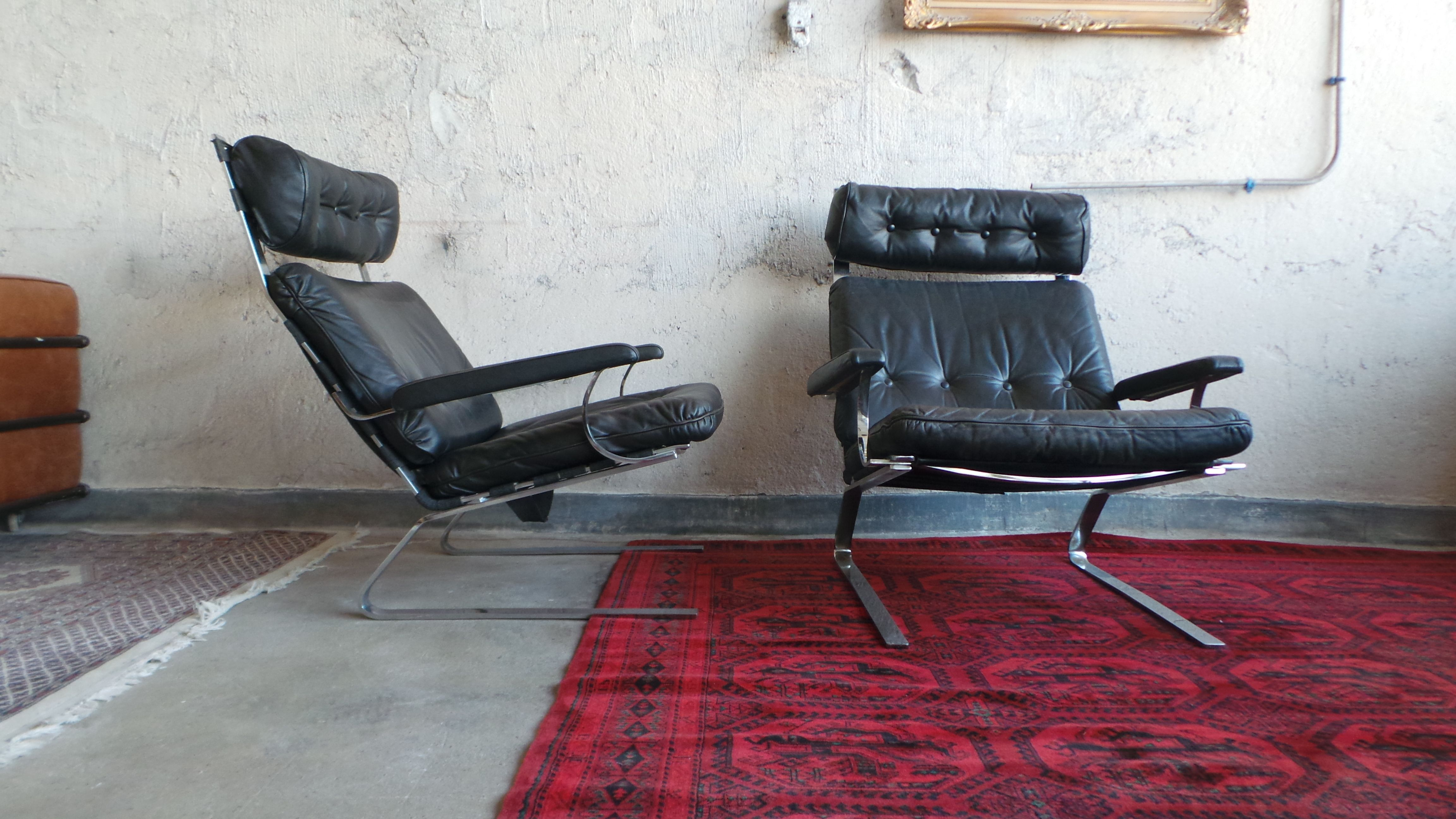 Marvelous Pair Of Black Leather And Steel Lounge Chairs Pdpeps Interior Chair Design Pdpepsorg