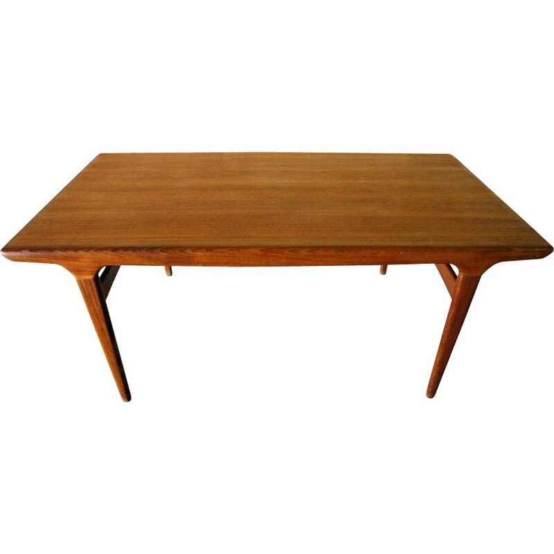Vintage dining table by Johannès Andersen for Uldum Mobelfabrik Scandinavian