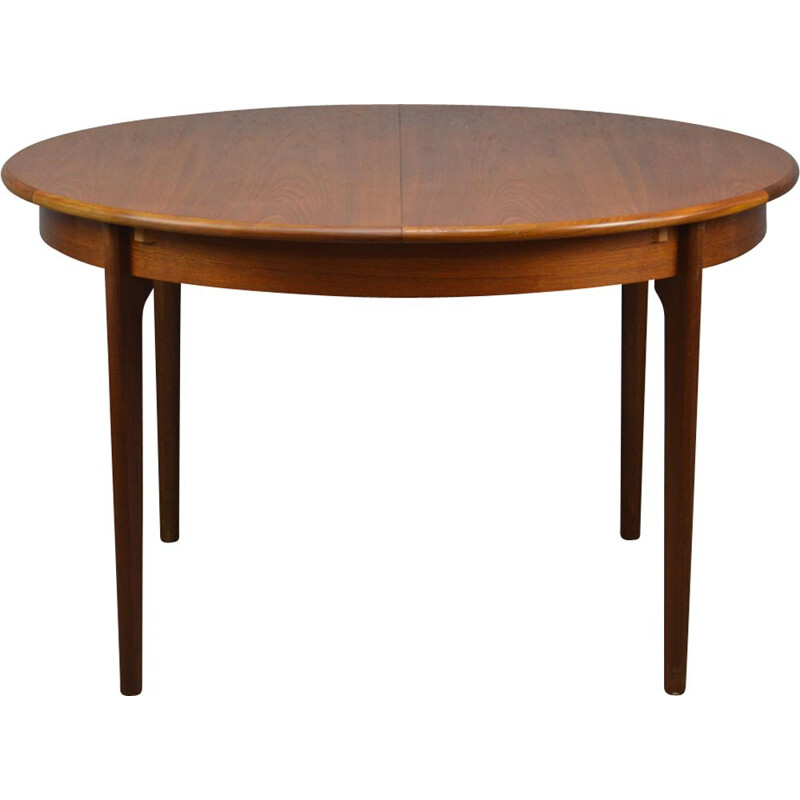 Vintage round extendable table in teak
