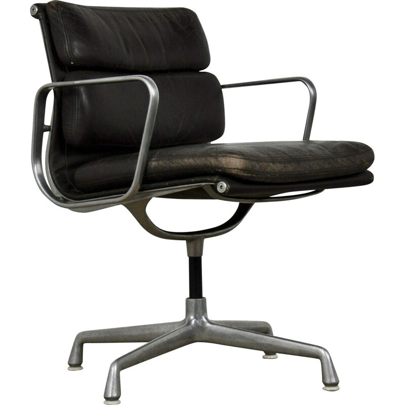 Soft Pad EA 208 chair by Charles and Ray Eames for Herman Miller