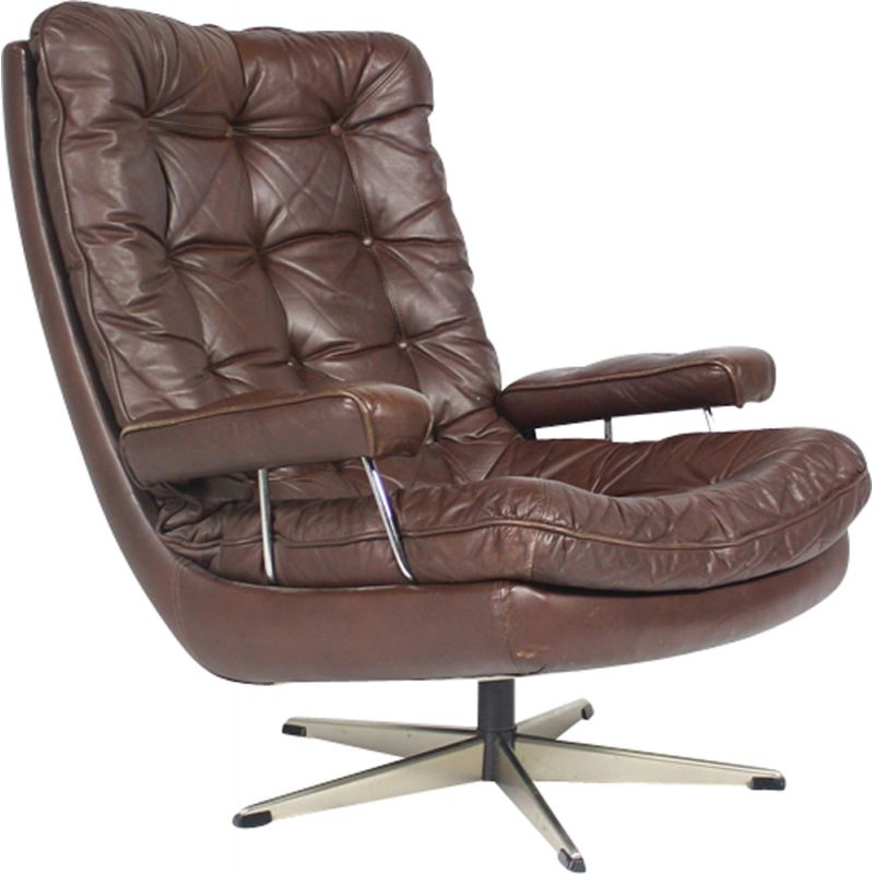 Danish vintage swiveling chair in brown leather