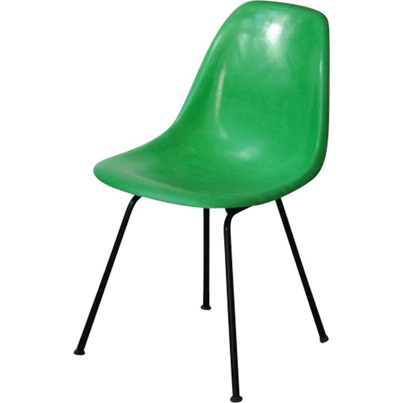Vintage DSX chair kelly green fiber with a black base by Eames for Herman Miller
