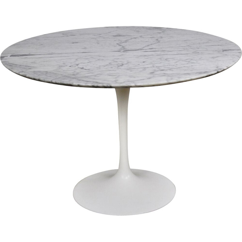 Vintage dinning table by Eero Saarinen for Knoll International 1965