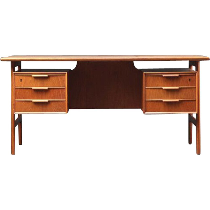 Vintage model 75 desk in teak, Gunni Omann