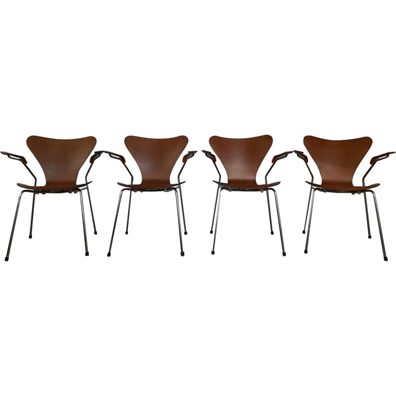 Vintage set of 4 brown chairs 3207 by Arne Jacobsen 1950s