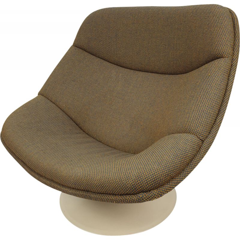 F557 Oyster lounge chair by Pierre Paulin for Artifort