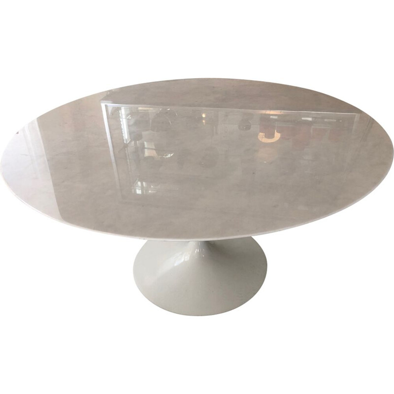 Vintage Tulip table by Eero Saarinen for Knoll, 137cm in Carrara marble 1970s
