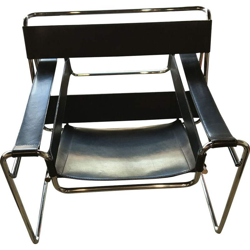 Vintage B3 Wassily chair for Gavina in black leather and metal 1970