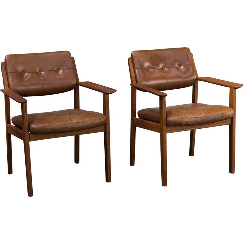 Pair of vintage chairs model 426 by arne vodder