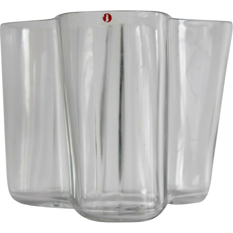 Vintage vase in transparent glass by Alvar Aalto