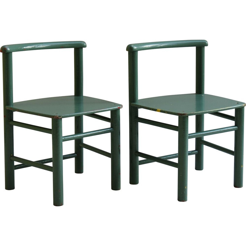 Pair of Scandinavian child chairs in green pine