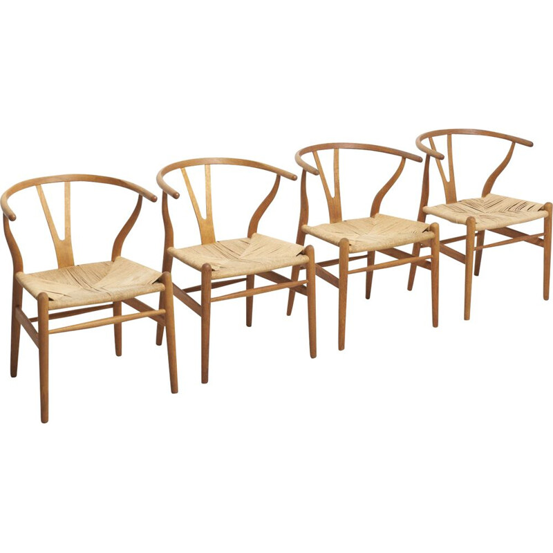 Set of 4 vintage dining chairs Wishbone model CH24 in oak by Hans J Wegner for Carl Hansen 1997