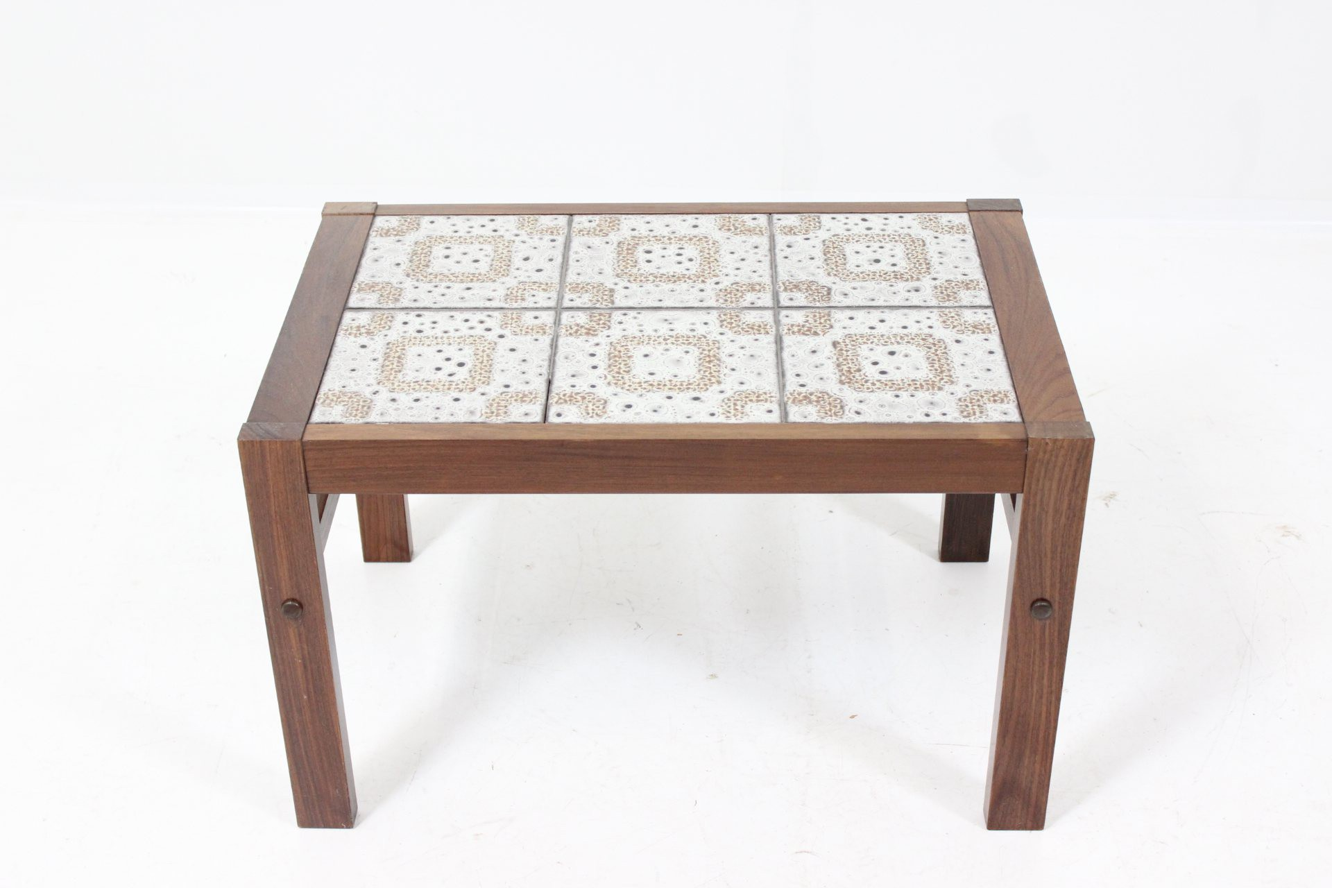 Vintage tiled coffee table in rosewood 1960s design market vintage tiled coffee table in rosewood 1960s previous next geotapseo Choice Image