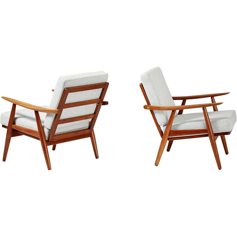 Set of 2 vintage Hans Wegner GE-270 Lounge Chairs