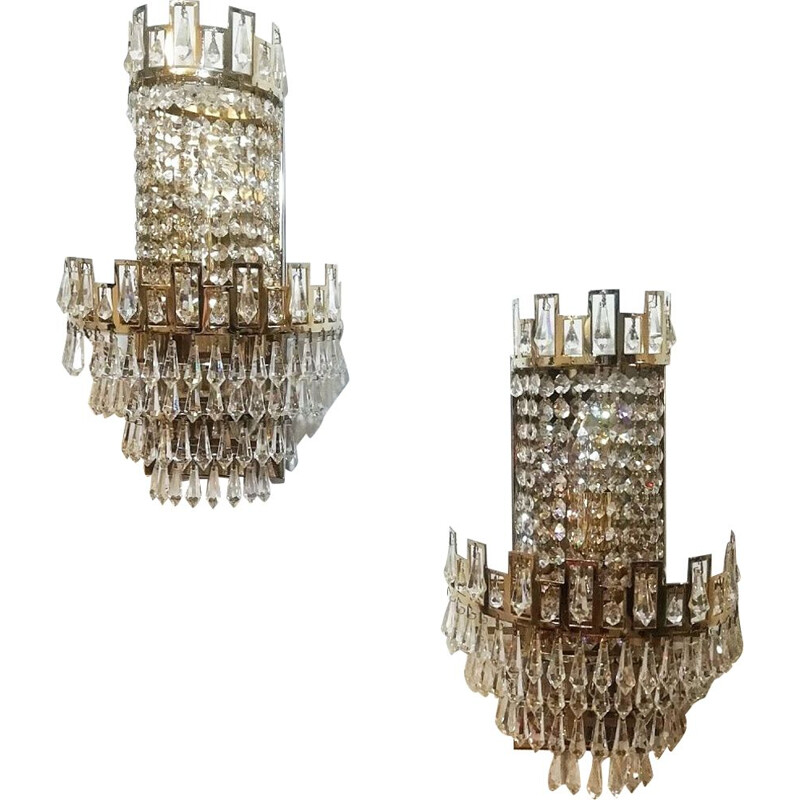 French vintage sconce in crystal and brass 1970s