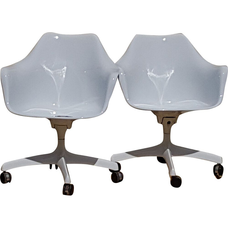 Pair of vintage Executive Tulipe armchairs for Knoll in white fiberglass 1960