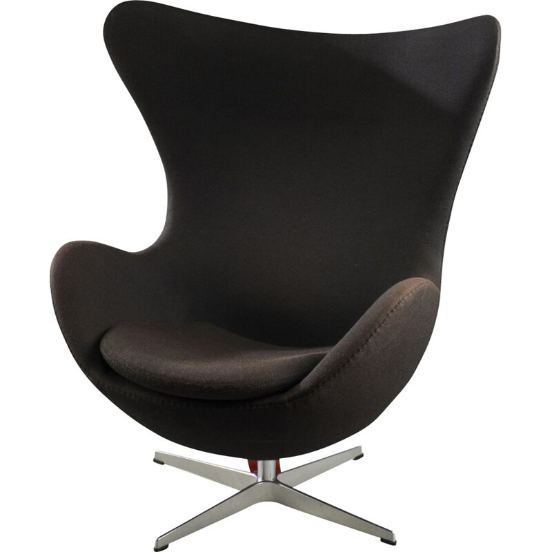 Egg vintage armchair for Fritz Hansen in black fabric 1950