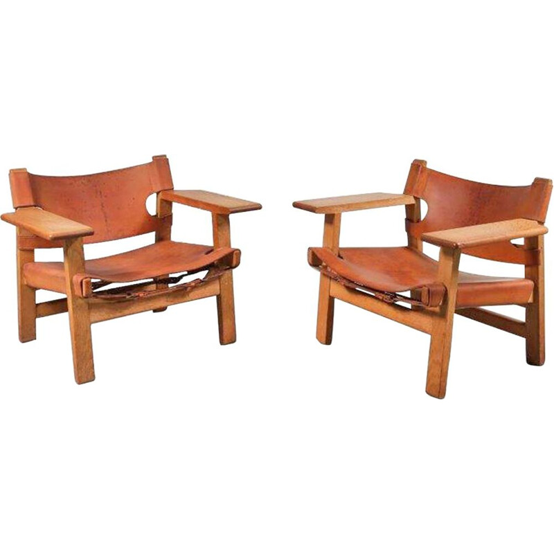 Pair of vintage Spanish chairs for Fredericia in oak and leather 1950s