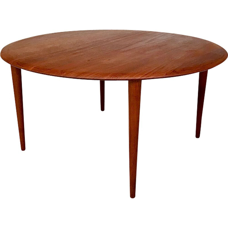 Vintage round coffee table Minerva in teak by Peter Hvidt & Orla Mølgaard-Nielsen for France & Søn , Denmark 1960s